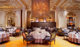 Plaza Athénée - A very exclusive restaurant run by Alain Ducasse